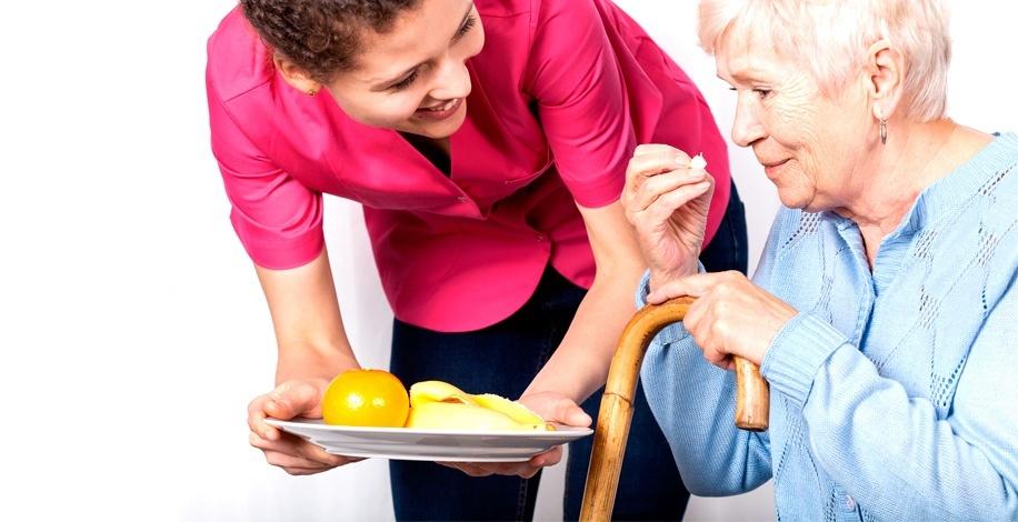 Envelhecimento e dificuldades alimentares: como lidar com a disfagia